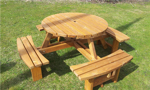 Great Value 8 seater round picnic tables 38mm thick excalibur