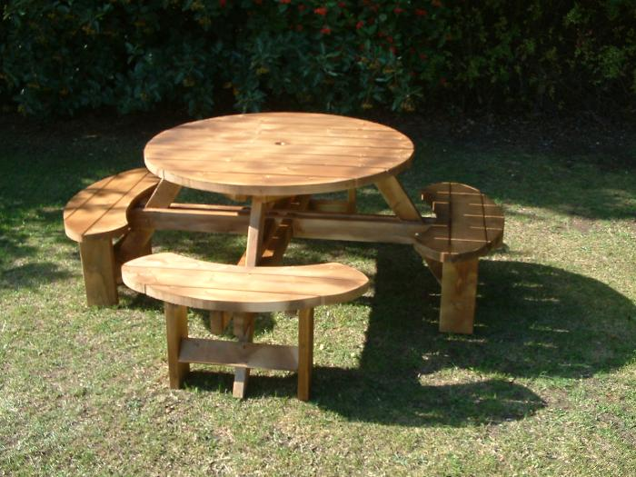 6 no excalibur 8 seater round picnic table