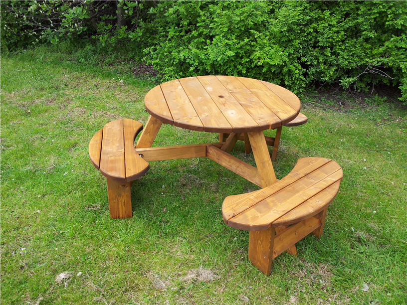 Round Picnic Table six seater, Space saving picnic table